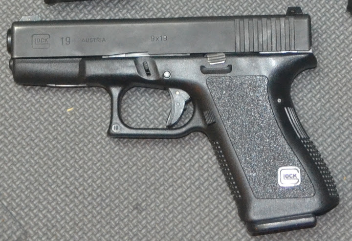 Handgun Showdown Round 7: Glock 19 Gen 3 vs  Glock 19 Gen 4