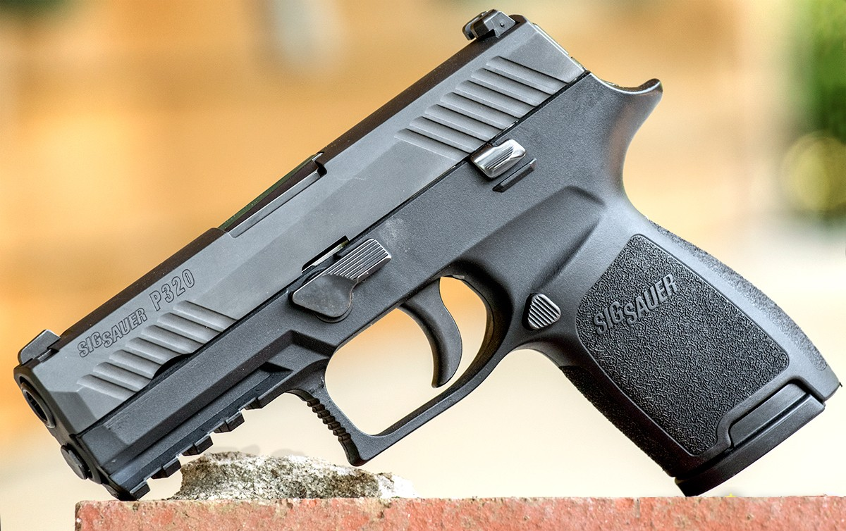 Glock 19 vs  Sig Sauer P320: Why I Love Them Both