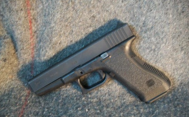 a picture of a glock 19 gen 1