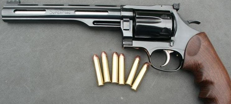 image of Dan Wesson 357 Supermag with ammo