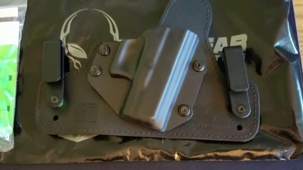alien gear cloak tuck 3