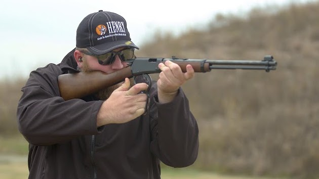 henry classic lever action 22 rifle
