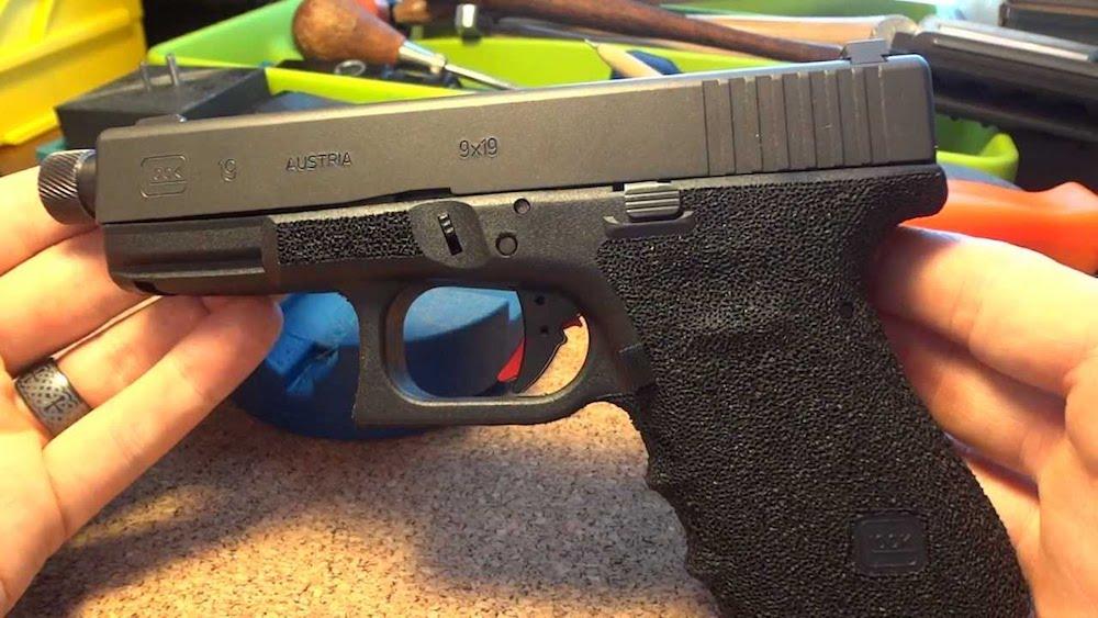 glock 19 grip stippling