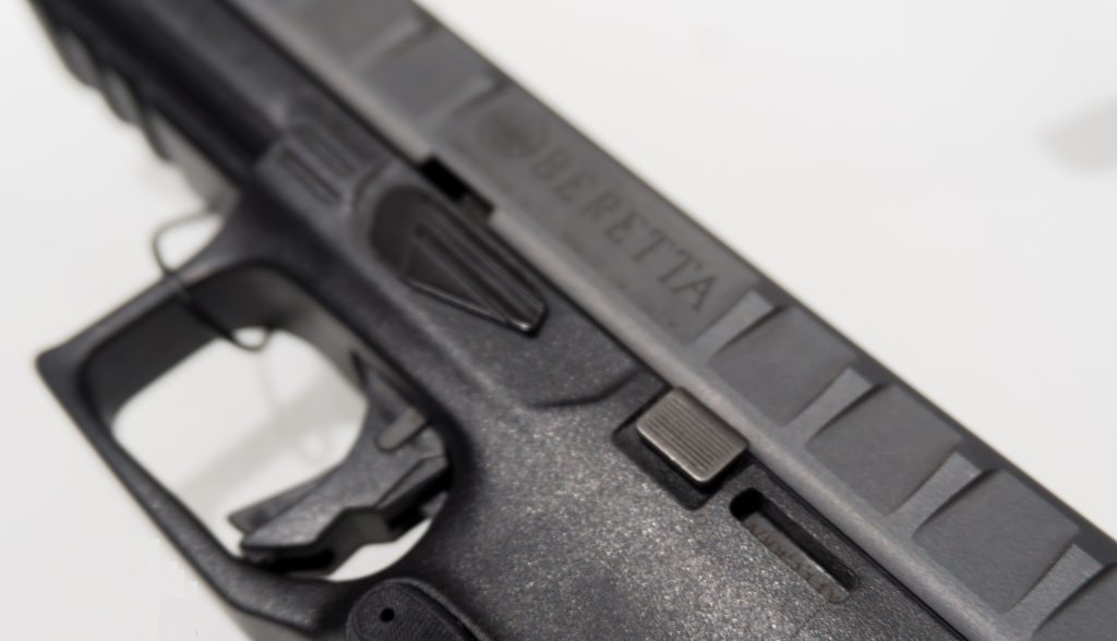 a picture of the Beretta APX slide