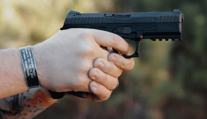 Seyr A2 MF pistol to shoot