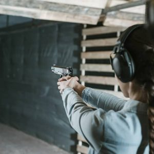 GUN SAFETY CLASSES – THE COMPLETE HANDBOOK TO GUN SAFETY