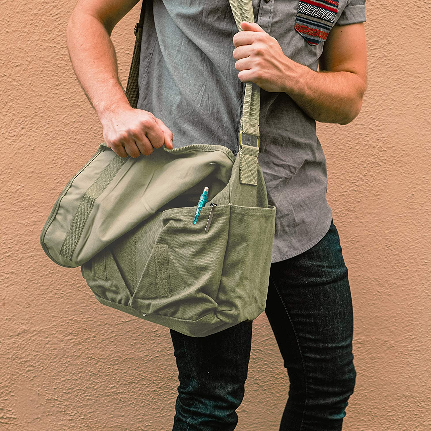 Concealed Carry Messenger Bag featured image